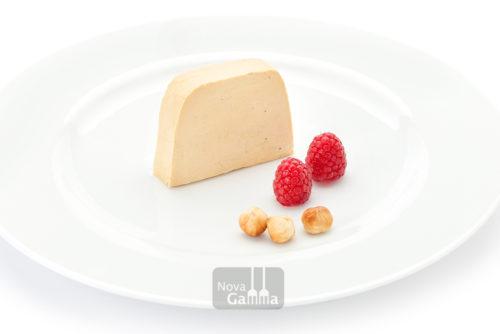 Nuestro Lingote de Foie con aroma de Avellana es una pieza exclusiva de foie, tanto por su sabor, como por textura y color.