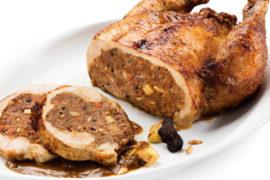 Comprar Capó farcit amb Foie i fruits secs és un plat tradicional per a celebracions especials considerat tot un menjar i especial per les dates nadalenques